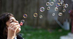 حباب ؛ در نهایت این مرگ است که باید پیروز شود